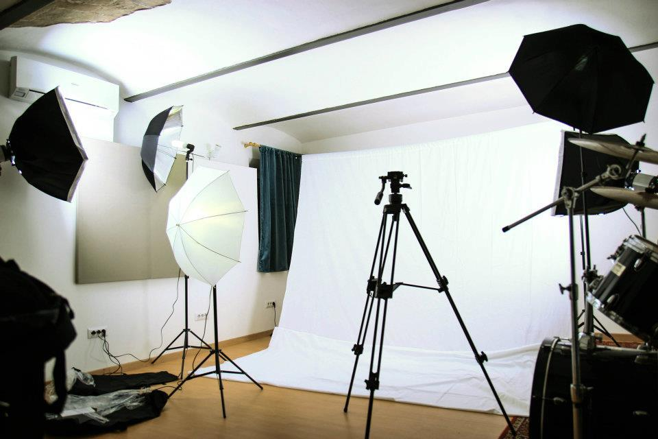 Come allestire un set fotografico per modelle