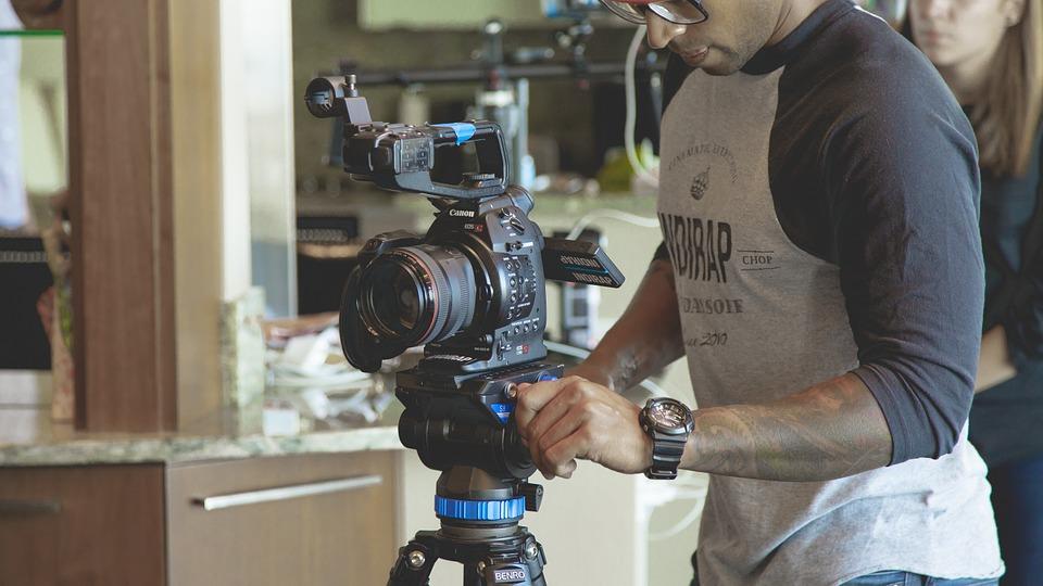 Il treppiedi e macchina fotografica