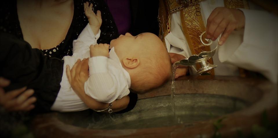 come organizzare un battesimo low cost cerimonia