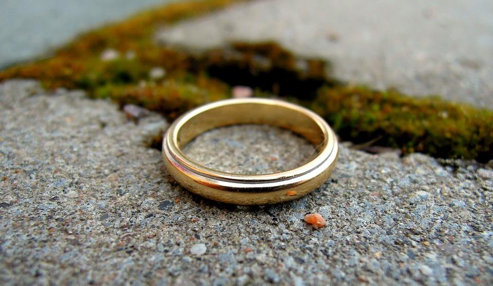 Scambio degli anelli: fotografare emozioni e solennità